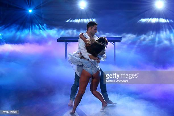 Sarah Lombardi and Robert Beitsch perform on stage during the 6th show of the television competition 'Let's Dance' on April 22 2016 in Cologne Germany