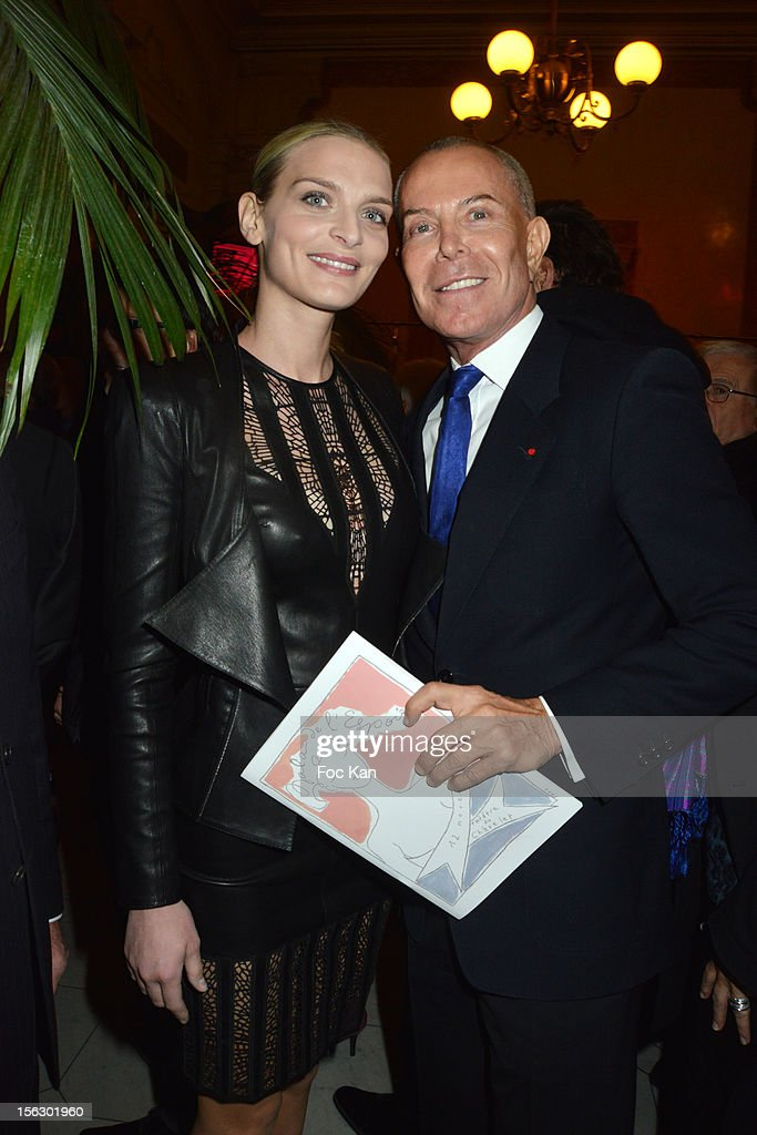 Sarah Marshall and Jean Claude Jitrois attend the 20th 'Gala Pour L'Espoir' At the Theatre du Chatelet on November 12, 2012 in Paris, France.