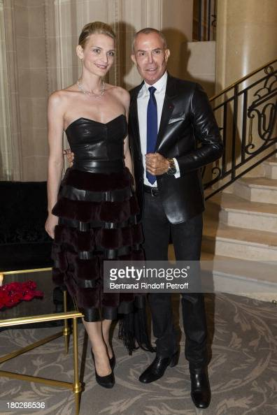 Sarah Marshall and JeanClaude Jitrois attend a charity dinner hosted by the Claude Pompidou foundation at Four Seasons Hotel George V on September 10...