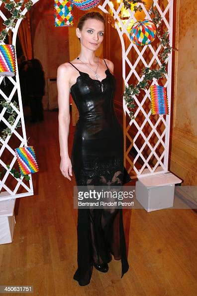 Sarah Marshall attends 'Les Puits du Desert' Charity Gala at Cercle des Armees on November 19 2013 in Paris France