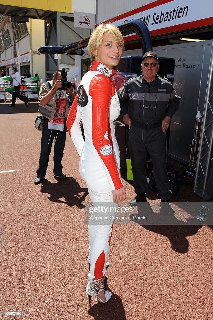 Sarah Marshall dressed by Jean Claude Jitrois at the Monaco Grand Prix.