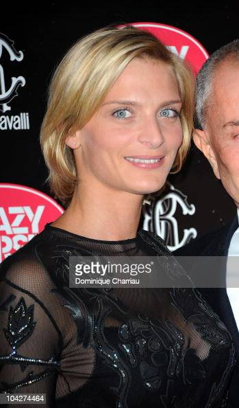 Sarah Marshall poses as she attends Clotilde Courau Performs At Crazy Horse Photocall on September 19 2010 in Paris France