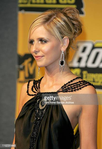 Sarah Michelle Gellar during 2004 MTV European Music Awards Press Room at Tor di Valle in Rome Italy