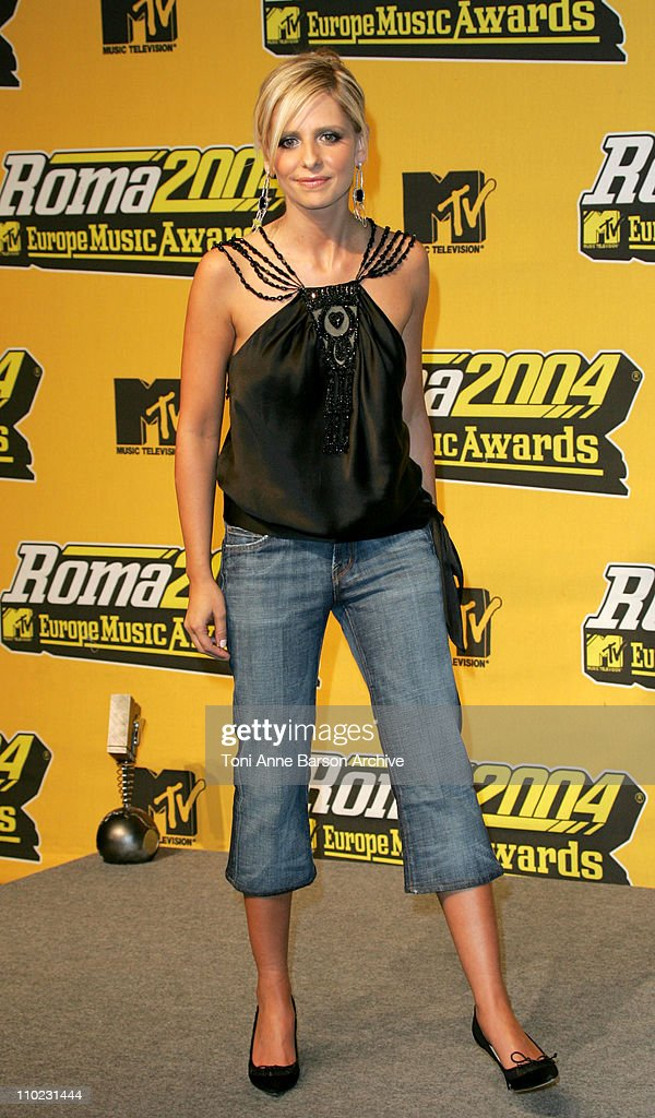 Sarah Michelle Gellar during 2004 MTV European Music Awards Press Room at Tor di Valle in Rome Italy