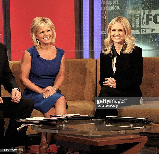 Sarah Michelle Gellar visits 'Fox Friends' with host Gretchen Carlson at the FOX Studios on June 5 2013 in New York City