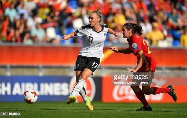 Sarah Puntigam of Austria and Mariona Caldentey of Spain during the UEFA Women's EURO 2017 Quarterfinal match between the Austria and Spain at Koning...