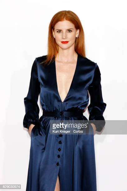 Image has been digitally retouched Sarah Rafferty arrives at the People´s Choice Awards 2016 in Los Angeles CA on January 6 2016