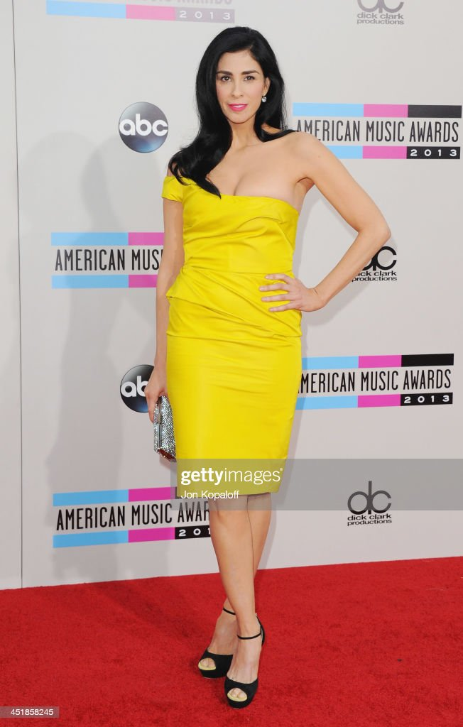 Sarah Silverman arrives at the 2013 American Music Awards at Nokia Theatre L.A. Live on November 24, 2013 in Los Angeles, California.