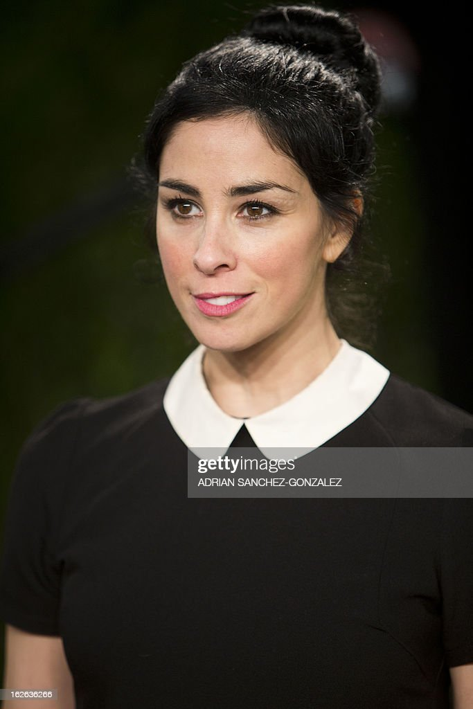 Sarah Silverman arrives for the 2013 Vanity Fair Oscar Party on February 24, 2013 in Hollywood, California.