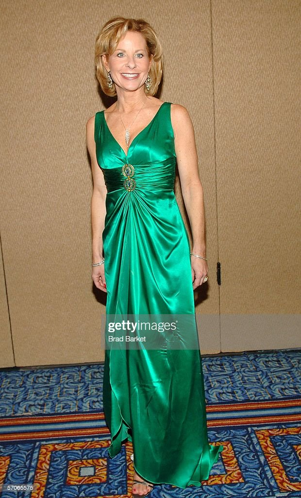 Sarah Wallace arrives at the 2006 New York Emmy Awards at the the Marriott Marquis on March 12, 2006 in New York City.