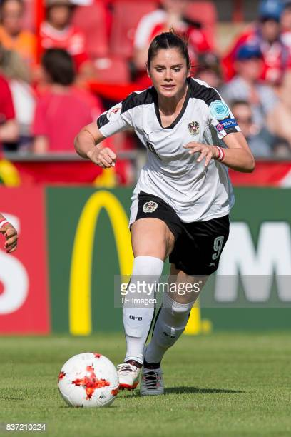 Sarah Zadrazil of Austria controls the ball during the Group C match between Austria and Switzerland during the UEFA Women's Euro 2017 at Stadion De...