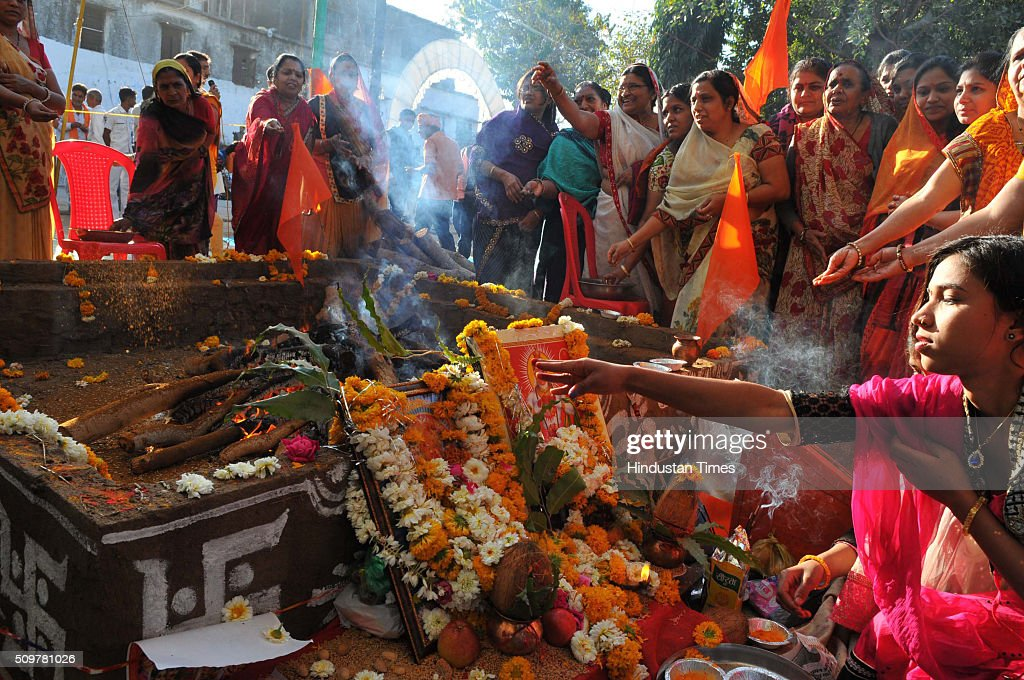 Saraswati Yagna organised by Hindu harliners outside the Bhojshala temple on February 12, 2016 in Dhar, India.The contested site is the Kamal-al-Din congregational mosque of Dhar also known as Bhojshala is protected by the Archaeological Survey of India, which allows Muslims to offer jummah or Friday prayers. Hindus are allowed entry in the monument to offer prayers on Tuesdays and conduct a special puja on the occasion of Basant Panchami. This week, however, the Friday prayers coincide with the festival of Basant Panchami.