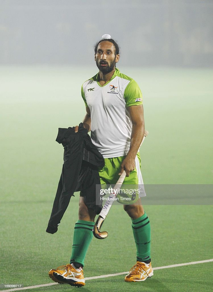 Sardar Singh, captain of Delhi Wave Riders team, during the practice session ahead of Hockey India League at Major Dhyan Chand National Stadium on January 13, 2013 in New Delhi, India.
