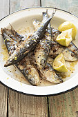 Sardines prepared with lemon and pepper