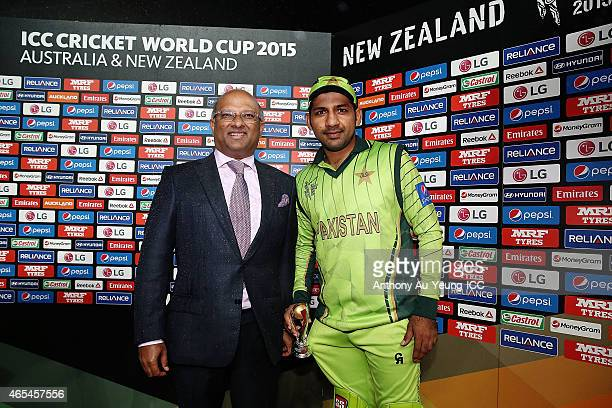 Sarfraz Ahmed of Pakistan is named Player of the Match after the 2015 ICC Cricket World Cup match between South Africa and Pakistan at Eden Park on...