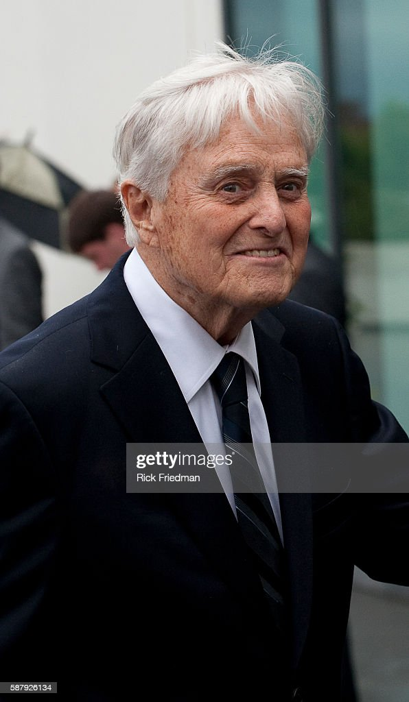 Sargent Shriver arrives at the memorial for his brotherinlaw Senator Edward M Kennedy at the John F Kennedy Library in Boston MA on August 28 2009...