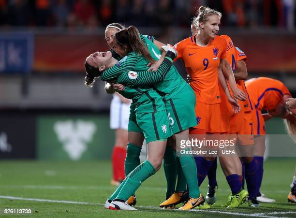 Sari van Veenendaal of The Netherlands celebrates with team mates following the UEFA Women's Euro 2017 Semi Final match between Netherlands and...
