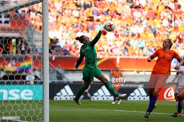 Sari van Veenendaal of the Netherlands makes a save during the Final of the UEFA Women's Euro 2017 between Netherlands v Denmark at FC Twente Stadium...