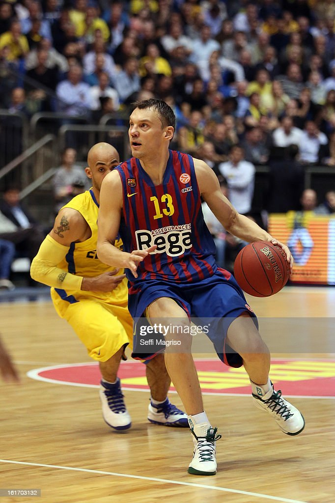 <a gi-track='captionPersonalityLinkClicked' href=/galleries/search?phrase=Sarunas+Jasikevicius&family=editorial&specificpeople=581779 ng-click='$event.stopPropagation()'>Sarunas Jasikevicius</a>, #13 of FC Barcelona Regal in action during the 2012-2013 Turkish Airlines Euroleague Top 16 Date 7 between Maccabi Electra Tel Aviv v FC Barcelona Regal at Nokia Arena on February 14, 2013 in Tel Aviv, Israel.