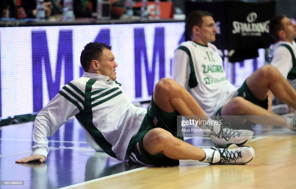 <a gi-track='captionPersonalityLinkClicked' href=/galleries/search?phrase=Sarunas+Jasikevicius&family=editorial&specificpeople=581779 ng-click='$event.stopPropagation()'>Sarunas Jasikevicius</a>, #19 of Zalgiris Kaunas in action during the 2013-2014 Turkish Airlines Euroleague Regular Season Date 7 game between Zalgiris Kaunas v EA7 Emporio Armani Milan at Zalgiris Arena on November 29, 2013 in Kaunas, Lithuania.