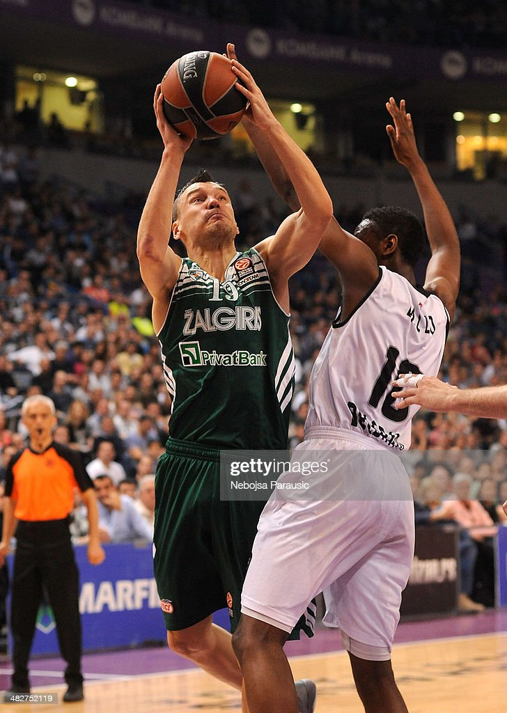 <a gi-track='captionPersonalityLinkClicked' href=/galleries/search?phrase=Sarunas+Jasikevicius&family=editorial&specificpeople=581779 ng-click='$event.stopPropagation()'>Sarunas Jasikevicius</a>, #19 of Zalgiris Kaunas in action during the 2013-2014 Turkish Airlines Euroleague Top 16 Date 13 game between Partizan NIS Belgrade v Zalgiris Kaunas at Kombank Arena on April 4, 2014 in Belgrade, Serbia.