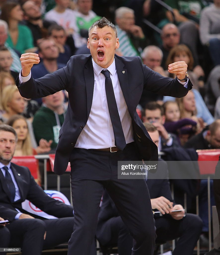 <a gi-track='captionPersonalityLinkClicked' href=/galleries/search?phrase=Sarunas+Jasikevicius&family=editorial&specificpeople=581779 ng-click='$event.stopPropagation()'>Sarunas Jasikevicius</a>, Head Coach of Zalgiris Kaunas in action during the 2015-2016 Turkish Airlines Euroleague Basketball Top 16 Round 10 game between Zalgiris Kaunas v Real Madrid at Zalgirio Arena on March 11, 2016 in Kaunas, Lithuania.