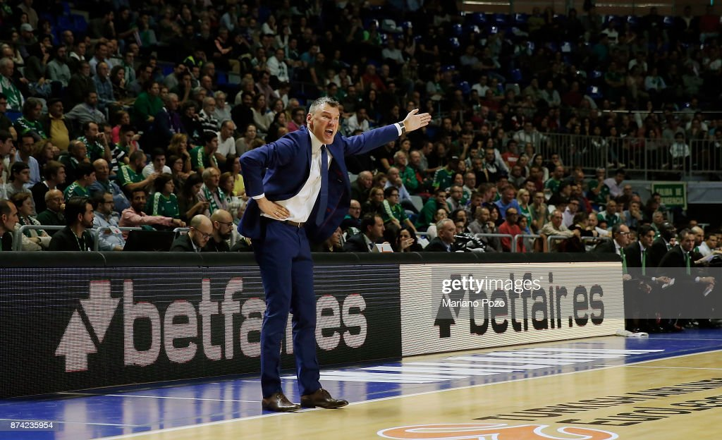 Sarunas Jasikevicius, Head Coach of Zalgiris Kaunas in action during the 2017/2018 Turkish Airlines EuroLeague Regular Season Round 7 game between Unicaja Malaga and Zalgiris Kaunas at Martin Carpena Arena on November 14, 2017 in Malaga, Spain.