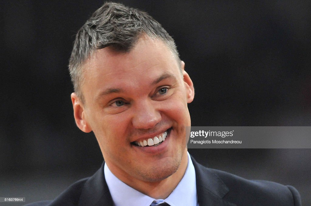<a gi-track='captionPersonalityLinkClicked' href=/galleries/search?phrase=Sarunas+Jasikevicius&family=editorial&specificpeople=581779 ng-click='$event.stopPropagation()'>Sarunas Jasikevicius</a>, Head Coach of Zalgiris Kaunas react during the 2015-2016 Turkish Airlines Euroleague Basketball Top 16 Round 11 game between Olympiacos Piraeus v Zalgiris Kaunas at Peace and Friendship Stadium on March 18, 2016 in Heraklion, Crete, Greece.