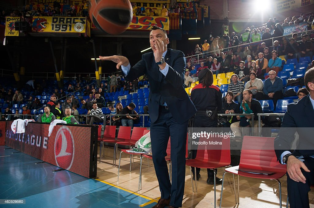 <a gi-track='captionPersonalityLinkClicked' href=/galleries/search?phrase=Sarunas+Jasikevicius&family=editorial&specificpeople=581779 ng-click='$event.stopPropagation()'>Sarunas Jasikevicius</a>, second Coach of Zalgiris Kaunas before the Euroleague Basketball Top 16 Date 5 game between FC Barcelona v Zalgiris Kaunas at Palau Blaugrana on January 30, 2015 in Barcelona, Spain.
