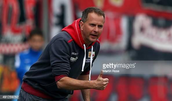 Sascha Lewandowski head coach of Union Berlin reacts during the Second Bundesliga match between Eintracht Braunschweig and 1 FC Union Berlin at...