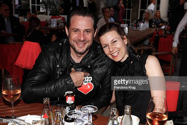Sascha Vollmer from BossHoss and his girlfriend Jenny during the 'Ein Herz fuer Kinder' summer party at Wannseeterrassen on May 26 2016 in Berlin...