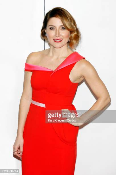 Image has been digitally retouched Sasha Alexander arrives at the People´s Choice Awards 2016 in Los Angeles CA on January 6 2016