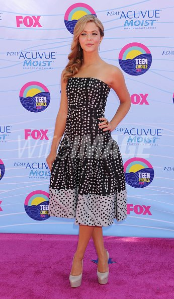 Sasha pieterse arrives at the 2012 teen choice awards at gibson sasha pieterse arrives at the thecheapjerseys Images