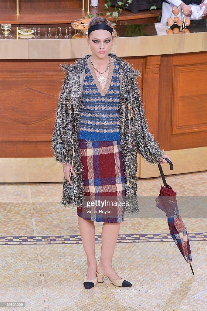 Sasha Pivovarova walks the runway during the Chanel show as part of the Paris Fashion Week Womenswear Fall/Winter 2015/2016 on March 10 2015 in Paris...