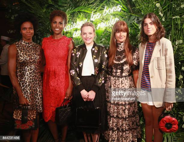 Sasheer Zamata Issa Rae Elisabeth Moss Deborah Lloyd and Leandra Medine attend Kate Spade Presentation during New York Fashion Week on September 8...