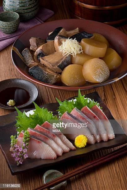 Sashimi of buri and buri-daikon
