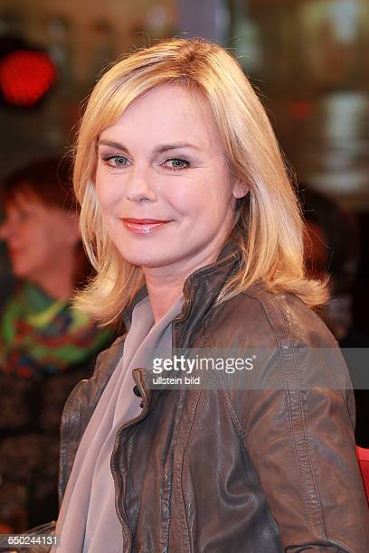 Saskia Valencia die deutsche Schauspielerin und Moderatorin zu Gast beim Talk aus Hannover Tietjen und Hirschhausen in Hannover