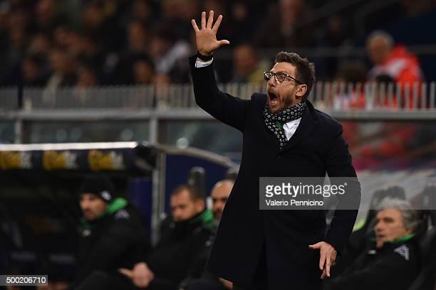 Sassuolo Calcio head coach Eusebio Di Francesco shouts to his players during the Serie A match between UC Sampdoria and US Sassuolo Calcio at Stadio...