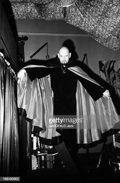 Secte stock photos and pictures getty images - Homme crane rase ...