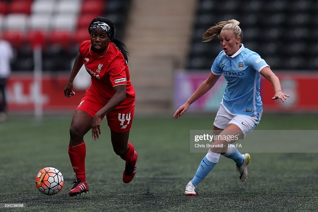 Satara Murray of Liverpool Ladies FC in action with <a gi-track='captionPersonalityLinkClicked' href=/galleries/search?phrase=Toni+Duggan+-+Soccer+Player&family=editorial&specificpeople=14623228 ng-click='$event.stopPropagation()'>Toni Duggan</a> of Manchester City Women during the FA WSL match between Liverpool Ladies FC and Manchester City Women at the Halton Stadium on May 25, 2016 in Widnes, England.