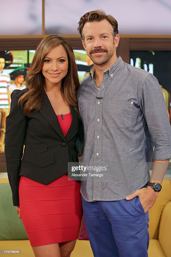 Satcha Pretto and Jason Sudeikis visits Univisions Despierta America at Univision Headquarters on July 23, 2013 in Miami, Florida.