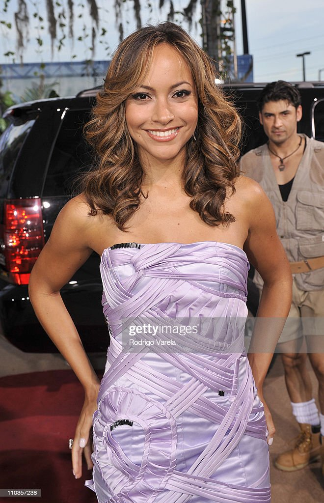 Satcha Pretto poses on the red carpet at the Premio Juventud Awards at Bank United Center on July 17, 2008 in Miami, Florida.