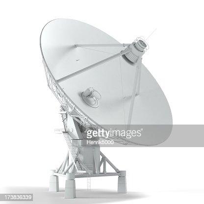 Di VLA-Torre satellitare isolato su bianco