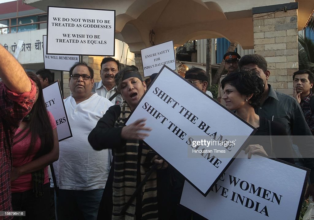 Satish Kaushik, Mandira Bedi and Shabana Azmi during protest by the Bollywood Film Industry against the Delhi rape incident at Juhuon December 29, 2012 in Mumbai, India.The girl died of injuries in Singapore hospital after brutally gang raped in a moving bus on December 16, in Delhi.