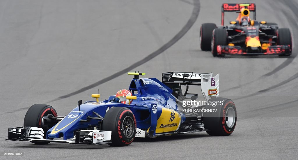 Sauber F1 Team's Brazilian driver Felipe Nasr steers his car during the qualifying session of the Formula One Russian Grand Prix at the Sochi Autodrom circuit on April 30, 2016. / AFP / YURI