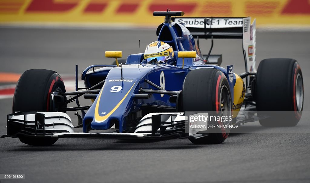 Sauber F1 Team's Swedish driver Marcus Ericsson steers his car during the qualifying session of the Formula One Russian Grand Prix at the Sochi Autodrom circuit on April 30, 2016. / AFP / ALEXANDER