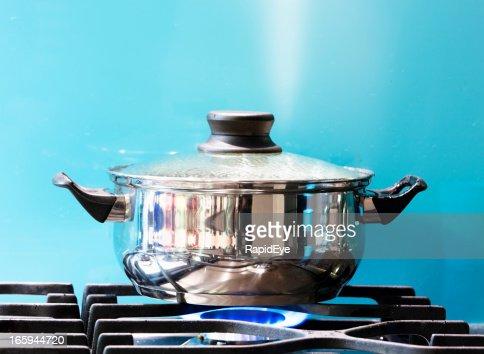 片手鍋に沸騰ガスストーブ、スチームジェットライジング