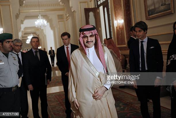Saudi business magnate and investor Prince AlWalid bin Talal bin Abdelaziz alSaud arrives for a meeting with French President Francois Hollande in...