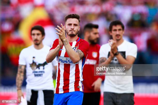 Saul Niguez of Atletico de Madrid acknowledges the audience after the La Liga match between Club Atletico de Madrid and SD Eibar at Estadio Vicente...
