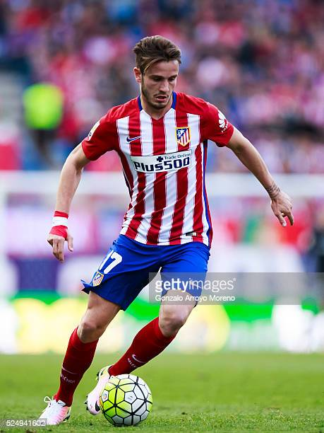 Saul Niguez of Atletico de Madrid controls the ball during the La Liga match between Club Atletico de Madrid and Malaga CF at Vicente Calderon...